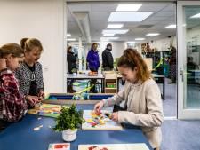 Ouders mogen toch spieken in school: in Welsum gaan de 26 kinderen vanaf nu in dorpshuis naar school