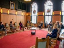 Jaar na de uitbraak worden tientallen Tilburgse coronahelden bedankt: 'Mensen die voor hoop zorgen'