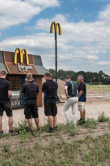 Minirestaurant McDonald's in Helmond als verrassing voor bouwvakkers