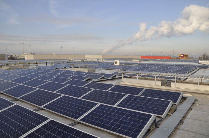 Wat Beters zoekt in Overbetuwe naar bedrijven die hun daken beschikbaar willen stellen voor het plaatsen van zonnepanelen.