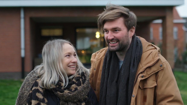 Voor geen geld ter wereld wilden ze in Westrem wonen, maar nu zijn Sophie en Jelle uit 'Blind gekocht' dolblij in het dorp. Beeld Play4