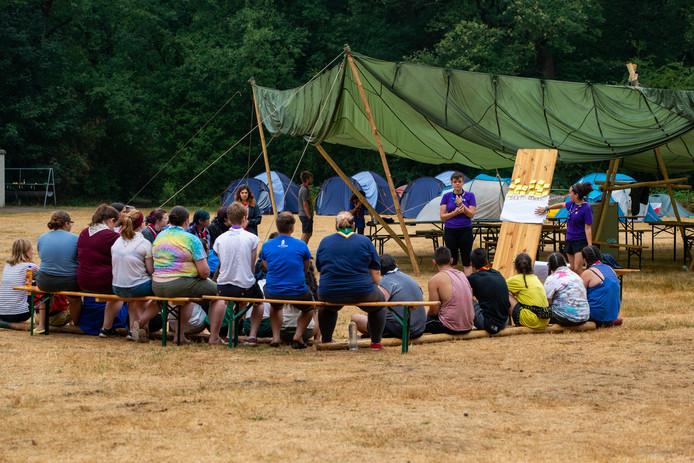Leden van de scouting komen uit alle windstreken om bij Ada's hoeve in Ommen diverse spellen en workshops te spelen.