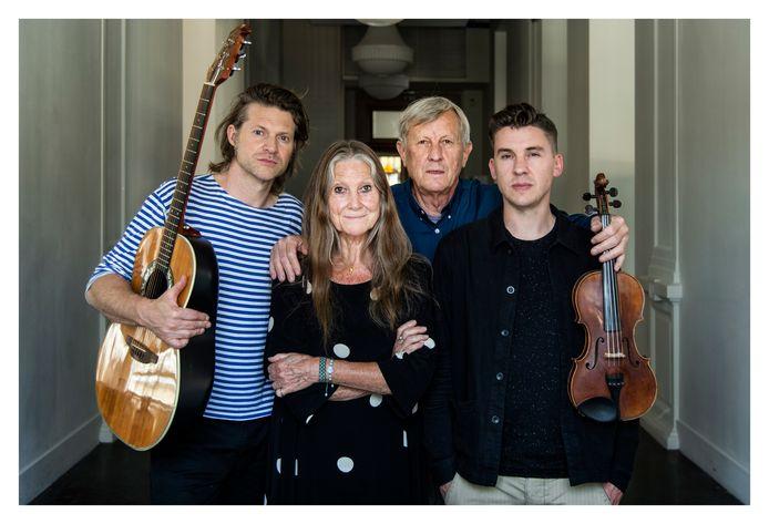 Madou (v.l.n.r.): Thomas Devos en moeder Vera Coomans, Wiet Van de Leest en zoon Louis Van de Leest.