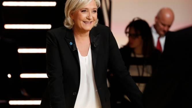 """Marine Le Pen: """"We moeten weten wie naar België trekt om wapens te kopen"""""""