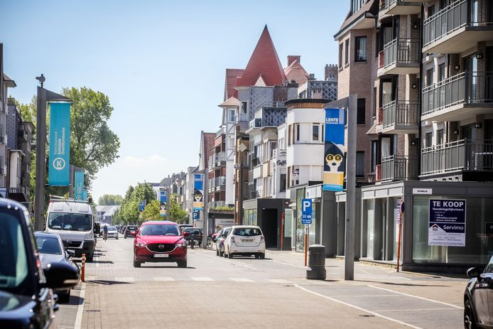 Elke politieke partij heeft haar visie over hoe de lokale economie een boost kan krijgen. Foto: de Strandlaan in Sint-Idesbald.