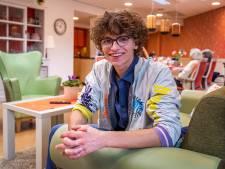 De volgens Rutte 'briljante' Teun (21) woont met mensen met dementie: 'Er gebeuren hier zoveel mooie dingen'