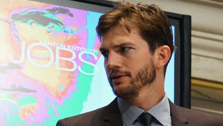 Ashton Kutcher opende gisteren de beurs in New York. Beeld GETTY
