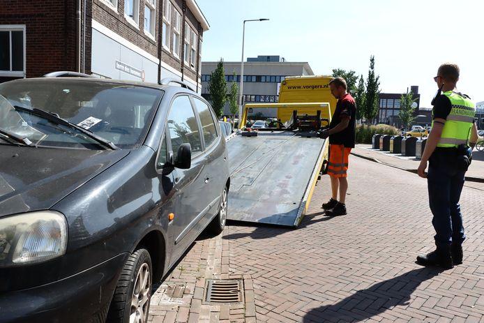 De auto werd woensdagochtend afgesleept.