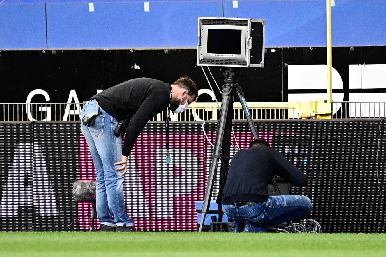 De VAR arriveerde zo laat in het stadion dat het niet mogelijk was om de wedstrijd op tijd te laten beginnen.