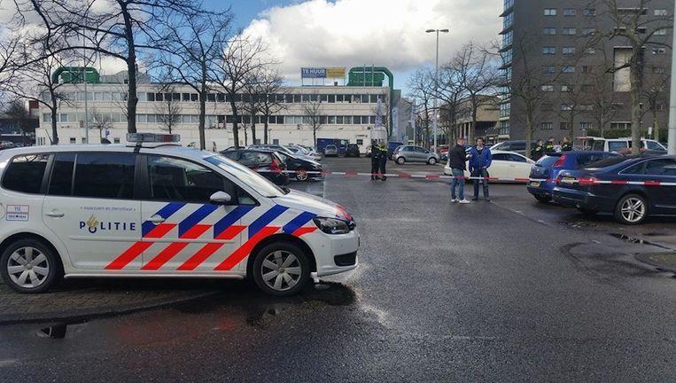Een afgezet Buikslotermeerplein. Beeld Politie Amsterdam Boven IJ