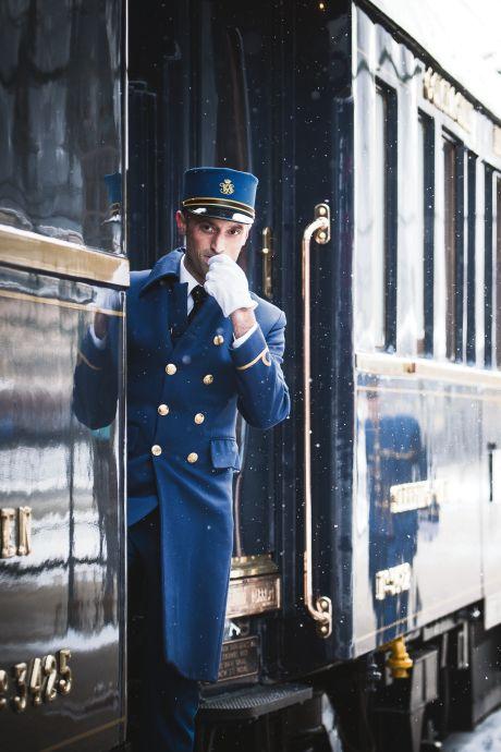 Champagne, caviar et billet le moins cher à plus de 3.000 euros: bienvenue à bord de l'Orient Express