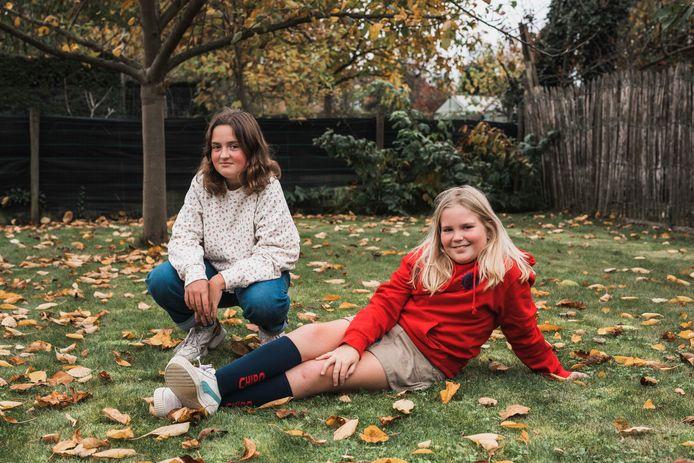 Janne, 13 ans, ne comprend pas pourquoi elle est privée de tout tandis que sa sœur, à peine plus jeune, se balade sans masque et peut continuer de participer à son mouvement de jeunesse