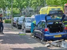 Man klem onder auto in Etten-Leur, mogelijk iets mis gegaan bij werkzaamheden