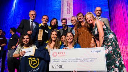 Studentenproject Doble Vía wint Moving Minds Award en schenkt prijs van 2.500 euro aan Ecuadoraanse organisatie Paces