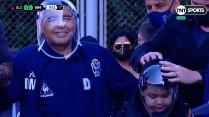Diego de ruimtevaarder: Maradona heeft zo z'n eigen manier om zich te wapenen tegen corona