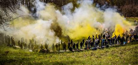 Vitesse-fans houden alvast een feestje in Sonsbeekpark in aanloop naar bekerfinale