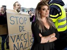 Je leven niet zeker zijn, onderduiken en honger lijden, is iets anders dan 'dwang om te vaccineren'