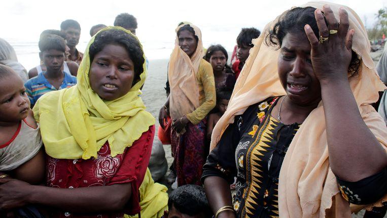 Duizenden Rohingya zijn ondertussen al gevlucht naar buurland Bangladesh. Beeld epa