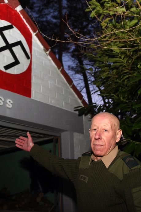 Onderzoek naar Belgische Hitlerfan (75) die huis 'versiert' met nazisymbolen