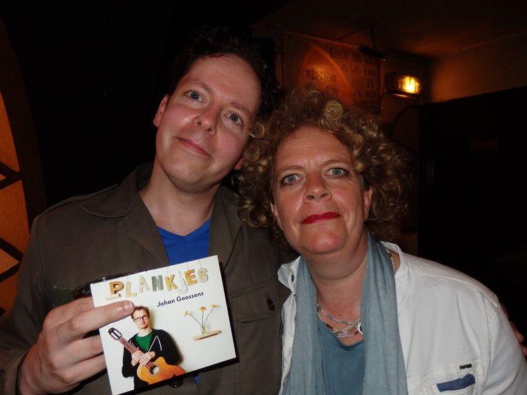 Volgens Goossens is Robert Weijers (Kulti Kulti) de dubbelganger van Brigitte Kaandorp. Dus: zoek de tien verschillen. De winnaar krijgt een cd. Beeld Schuim