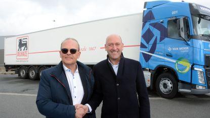 """Van Moer Logistics belevert komende vijf jaar 800 winkels van Delhaize: """"Werkzekerheid voor 135 chauffeurs en investeren in duurzaam transport"""""""