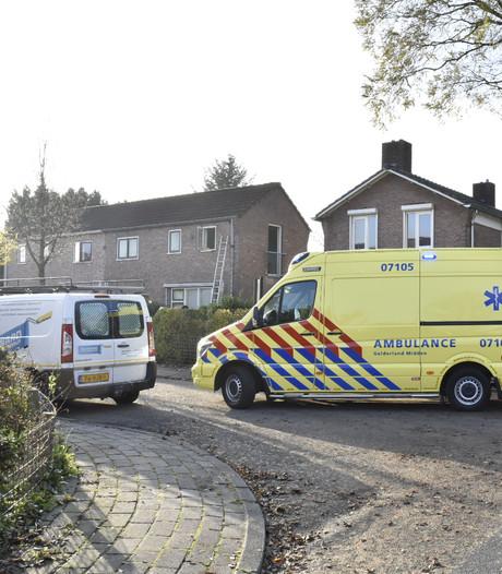 Man gewond na val van ladder in Oosterbeek