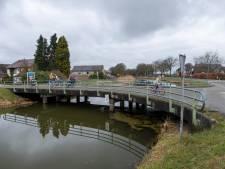 Kanaalbruggen slopen en vervangen? Onnodig, vindt Wapenveld: 'Bouw liever van dat geld huizen in het dorp'
