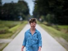 Else (23) uit Balkbrug krabbelt op na klompvoet en wandelt kilometers voor AutismeFonds: 'Gezonde spanning'