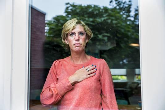 Annebé (39) is hartpatiënt nadat ze het coronavirus opliep.