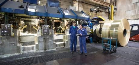 Medewerkers Aurubis Zutphen en Bosch Deventer leggen opnieuw werk neer: 'Zolang de werkgevers niet willen buigen, blijven wij actievoeren'