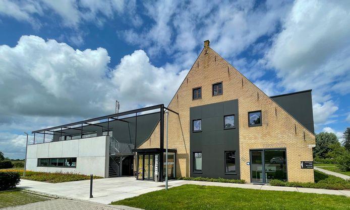 Het nieuwe gemeentehuis in OC De Sceure in Vleteren.