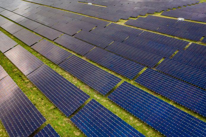 Een al aangelegd zonnepanelenpark, elders in het land.