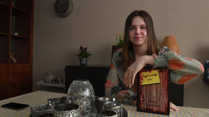 """Julie Craemers (25) brengt eerste thriller uit: """"Een droom waar ik eindelijk tijd voor heb gevonden"""""""
