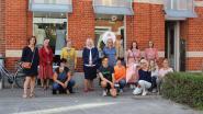"""Eerste tweedehandswinkel in Lennik opent de deuren: """"RecyKleer is een stap naar een duurzame gemeente"""""""