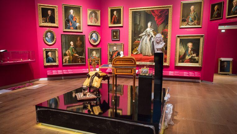 Verzamelde objecten van Catharina de Grote in de Hermitage Amsterdam. Beeld Mats van Soolingen