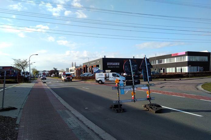Tussen het kruispunt van de Kapelanielaan en de Eurolaan werd éénrichtingsverkeer ingevoerd.