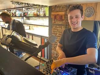 """Talentvolle Jeremy (24) begon bij start coronacrisis als dj, nu wenkt ein-de-lijk eerste optreden: """"Muziek verzachtte relatiebreuk"""""""
