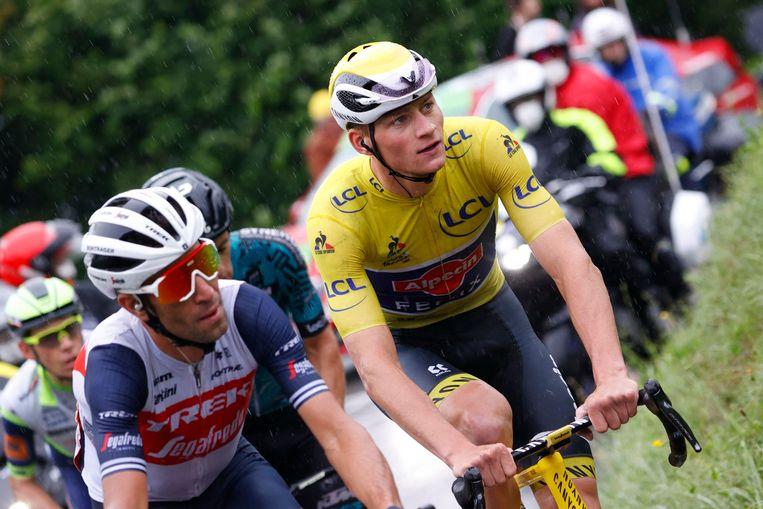 Mathieu van der Poel in het geel Beeld AFP