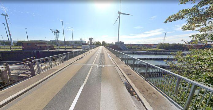 De brug aan het sas zal vanaf woensdag enkele nachten worden afgesloten.