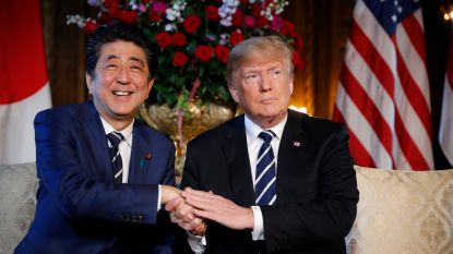 Trump ontmoet Japanse premier - rivaal van Kim Jong-un - nog voor Korea-top