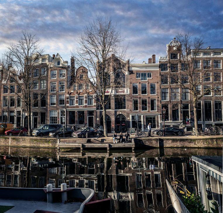 Podium Rode Hoed op de Keizersgracht, waar Alex Mulder 'zakelijkheid en de liefde voor cultuur samenbracht' Beeld Martin Dijkstra