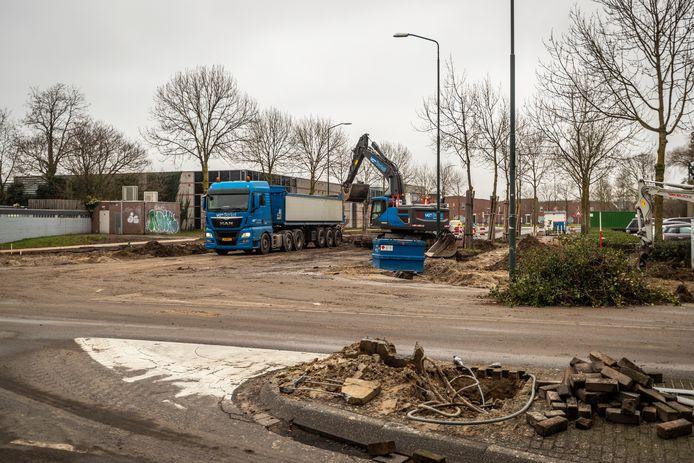 Wegwerkzaamheden op het kruispunt Peijnenburgweg en Mierloseweg in Geldrop.