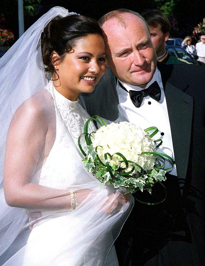 Orianne Cevey en Phil Collins op hun bruiloft.