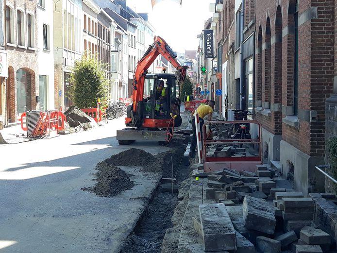 Foto van paar weken geleden toen nutsmaatschappijen voorbereidende werken uitvoerden in de Adegemstraat.
