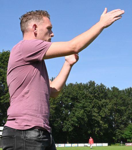 Juliana-trainer Van Dalen vertrekt in de rust van zijn debuut: 'Zijn beste vriend ging trouwen'