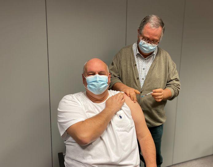 Het az Vesalius heeft de vaccinatiecampagne gestart in februari.