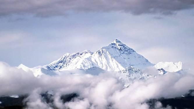 Mount Everest gaat na een jaar weer open voor bergbeklimmers
