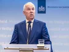 Terrorismebestrijder Aalbersberg waarschuwt: Alertheid in Nederland nodig