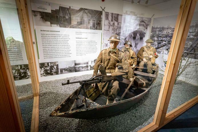 Een van de vitrines in oorlogsmuseum Niemandsland. Foto: Erik van 't Hullenaar.