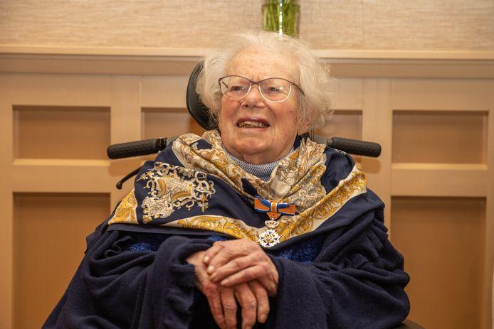 Koerierster van het verzet Willemijn Petroff-Van Gurp werd 102 jaar oud.